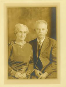 Jessie Ruth MacLeod Murdock and husband, Louis