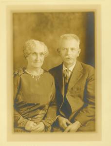 Jessie Ruth MacLeod Murdock and husband, Louis