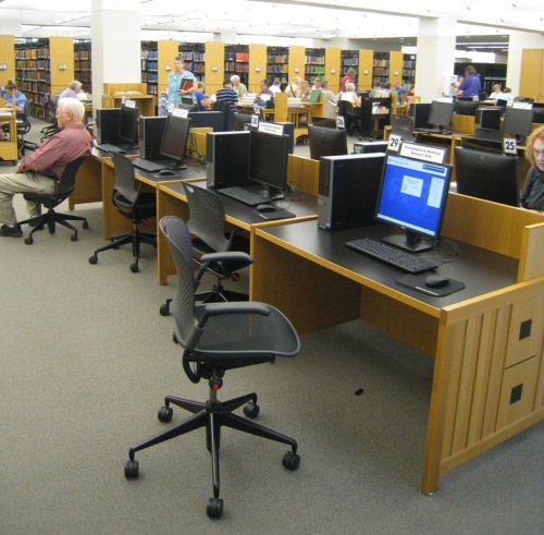 It's easy to ask at the librarians desk for a computer access code
