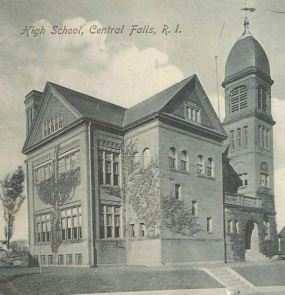 This old postcard from 1906 makes it clear that City Hall was once a high school.