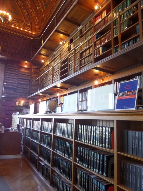 The library is a repository for some federal documents, as well as a large collection of Rhode Island law books and books pertaining to things people might make laws about - health, environment, economics, educations, etc.